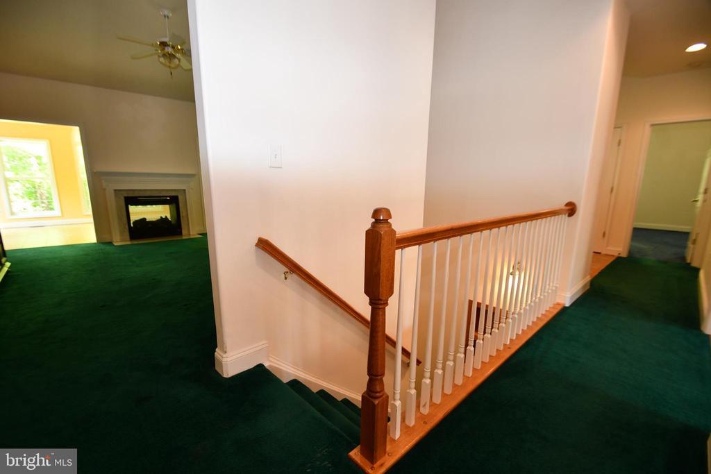 Steps to basement - 79 MILLBROOK RD, STAFFORD