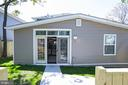 Spacious Back yard with two car garage area - 919 45TH PL NE, WASHINGTON