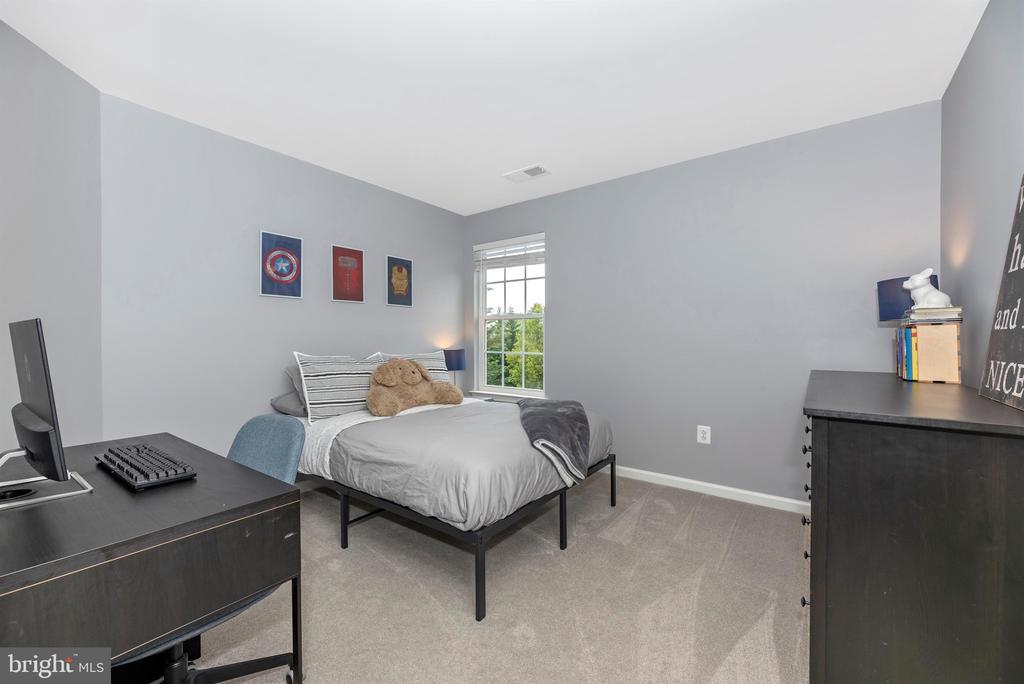 Bedroom 2 - 9823 NOTTING HILL DR, FREDERICK