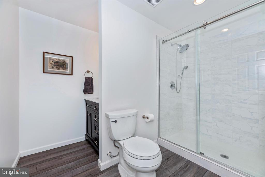 On trend basment bath - 9823 NOTTING HILL DR, FREDERICK