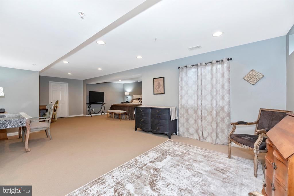 Make it yours! - 9823 NOTTING HILL DR, FREDERICK