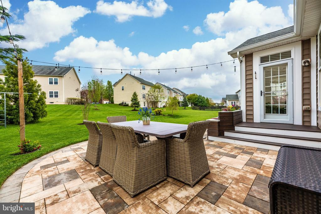 The indoors have come outdoors! - 9823 NOTTING HILL DR, FREDERICK