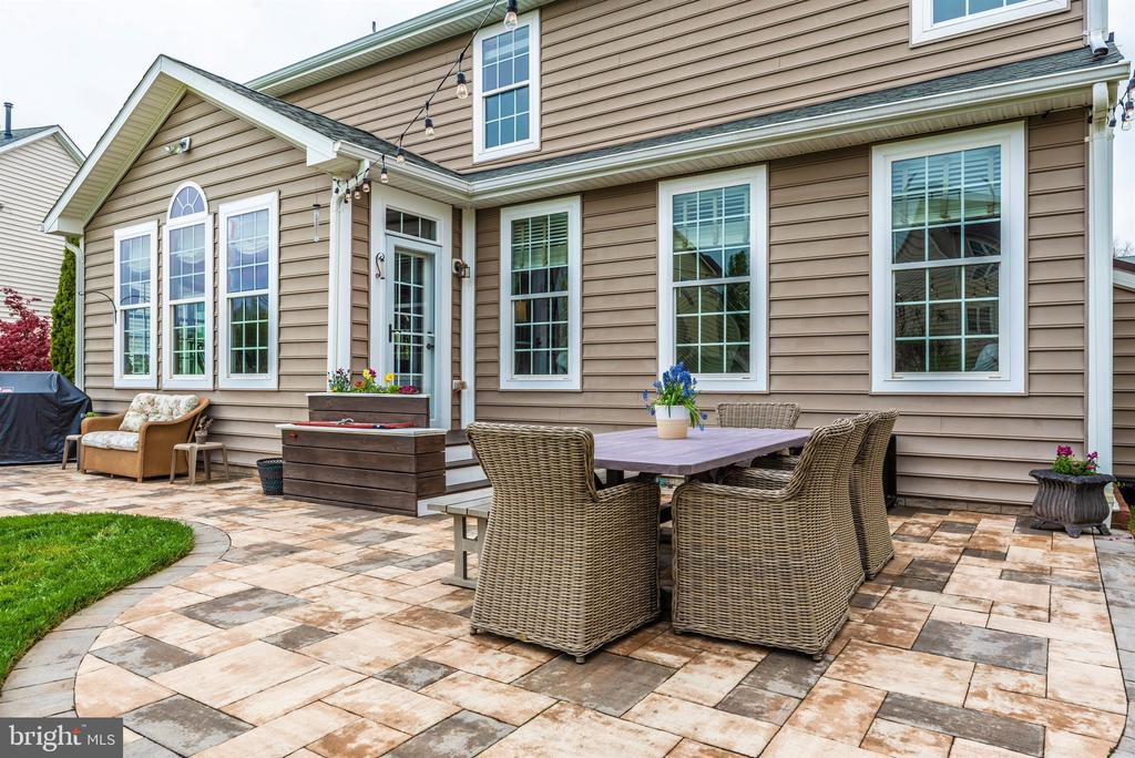 Hardscaped patio off kitchen - 9823 NOTTING HILL DR, FREDERICK