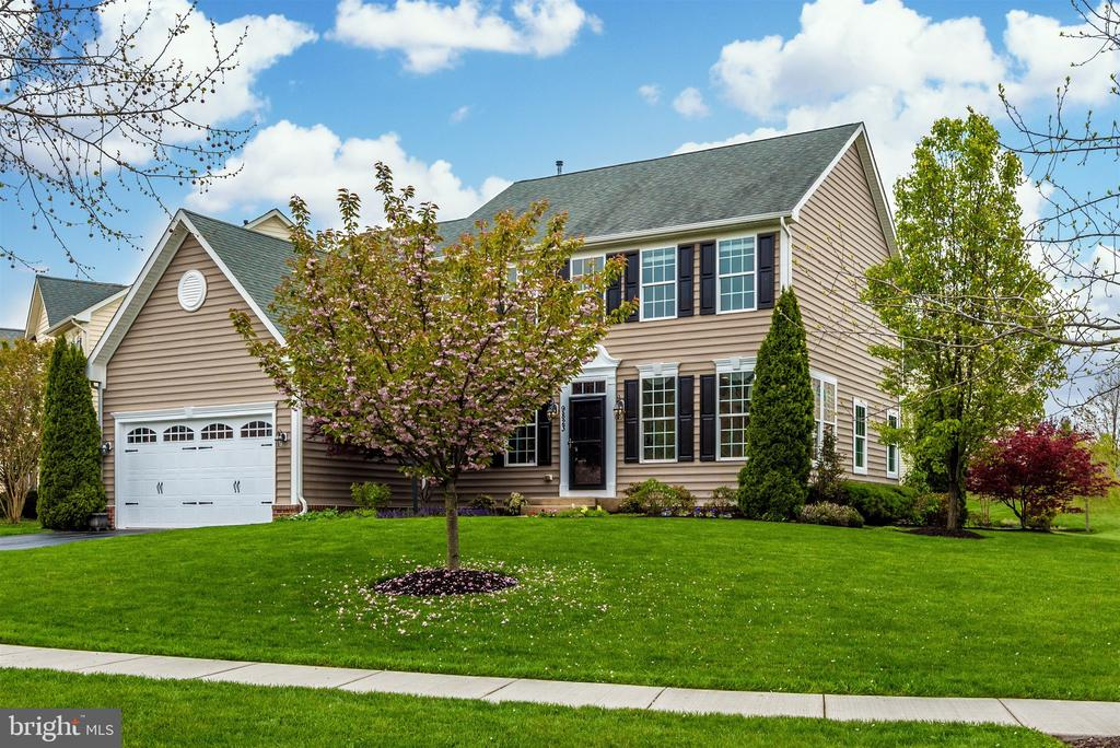 A perfect gem in the heart of it all! - 9823 NOTTING HILL DR, FREDERICK