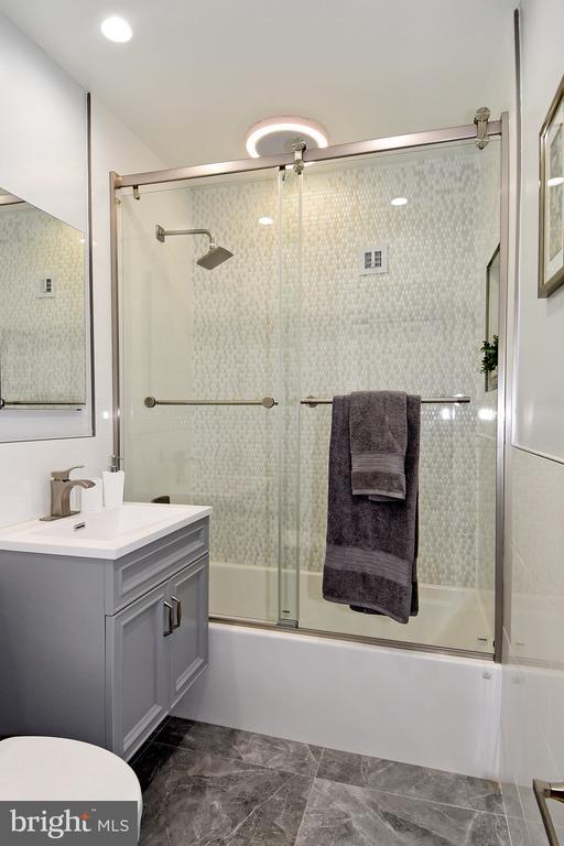 Bathroom - 54 G ST SW #113, WASHINGTON