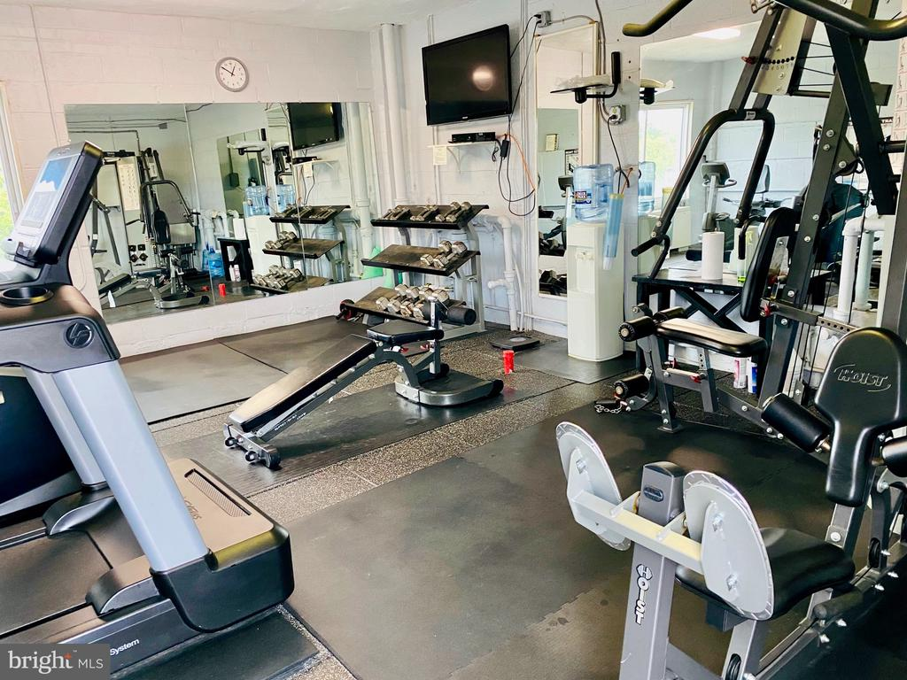 Convenient fitness center in building. - 2829 NW CONNECTICUT AVE NW #505, WASHINGTON