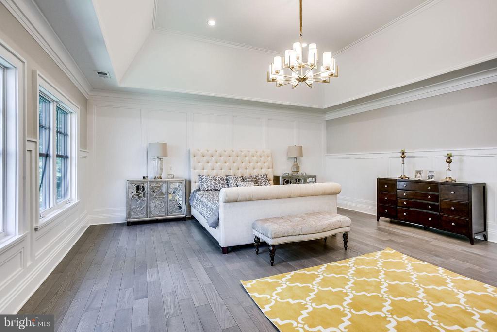 Master bedroom - 6930 TYNDALE ST, MCLEAN