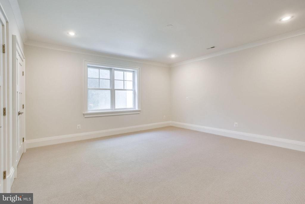 Exercise Room - 6930 TYNDALE ST, MCLEAN