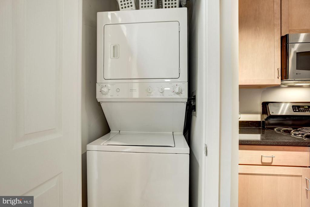 In unit Laundry - 1201 N GARFIELD ST #109, ARLINGTON