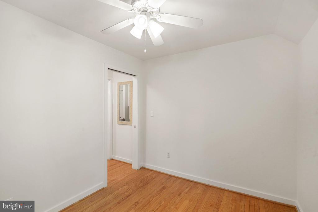 Upper Level Third Bedroom - 3030 N QUINCY ST, ARLINGTON
