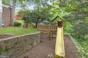 Built-in Play Area to convey - 3030 N QUINCY ST, ARLINGTON