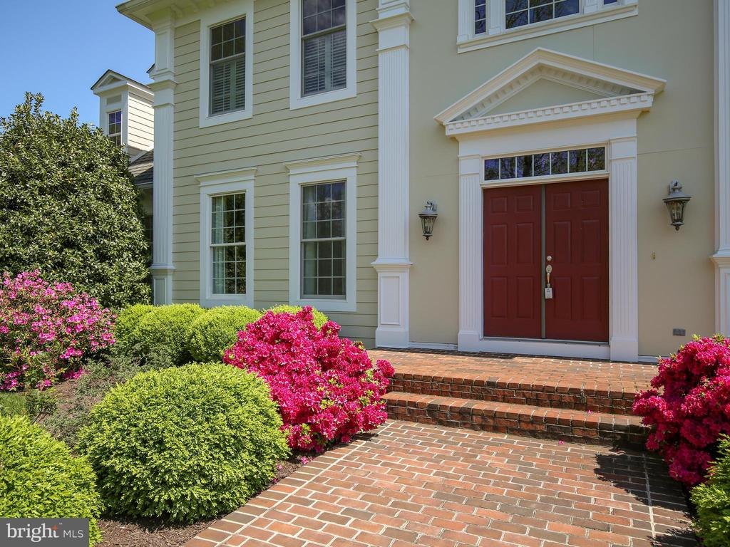 Front Entry - 641 STONYMEADE DR, WINCHESTER