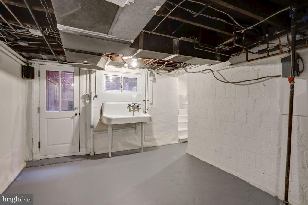 Downstairs - unfinished, great for storage - 1510 26TH ST NW, WASHINGTON