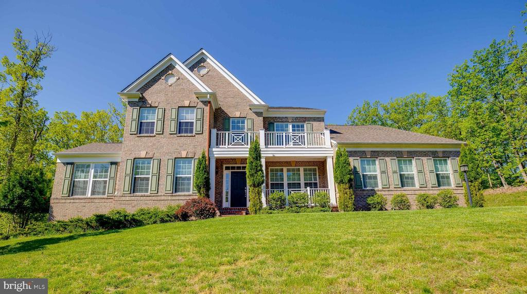 Welcome Home to Selma Estates! - 15879 FROST LEAF LN, LEESBURG