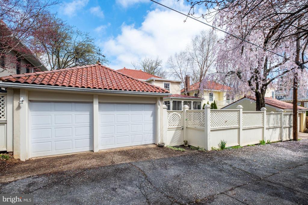 2 car garage - 3828 GRAMERCY ST NW, WASHINGTON