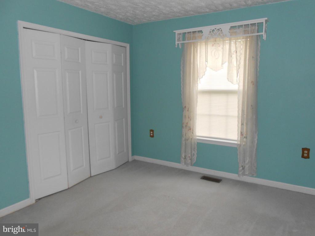 Bedroom 2 - Double Closet - 10472 LABRADOR LOOP, MANASSAS