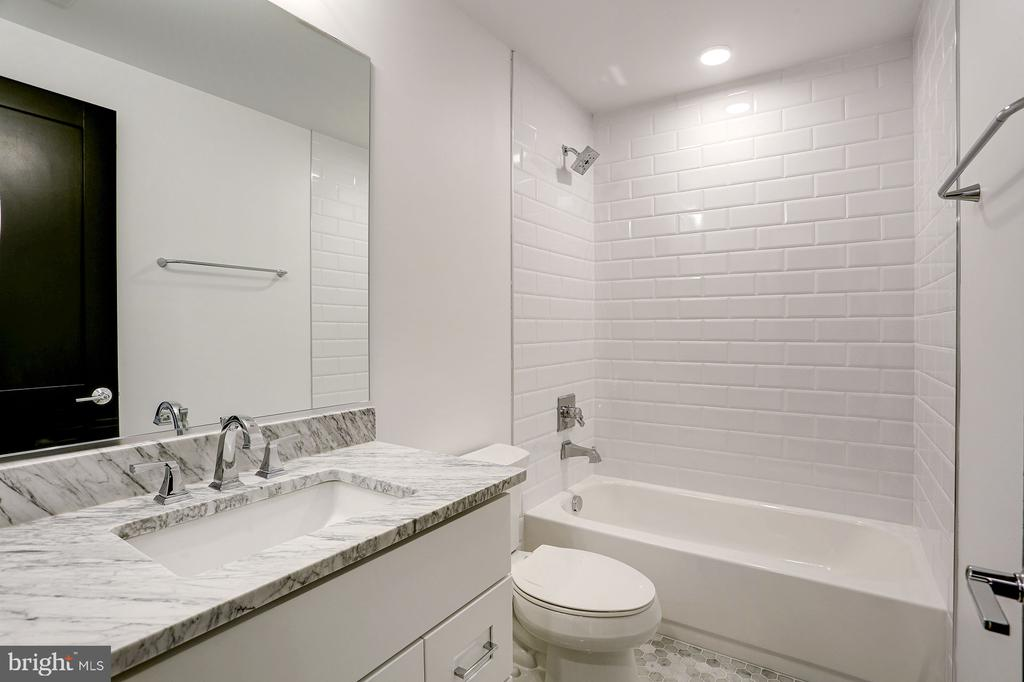 2nd full bath - 836 VARNUM ST NW #201, WASHINGTON