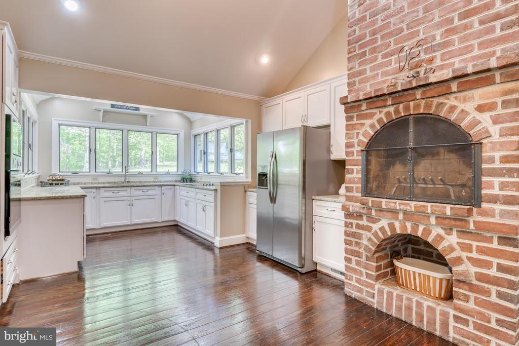 Kitchen has been completely remodeled - 646 HOLLY CORNER RD, FREDERICKSBURG