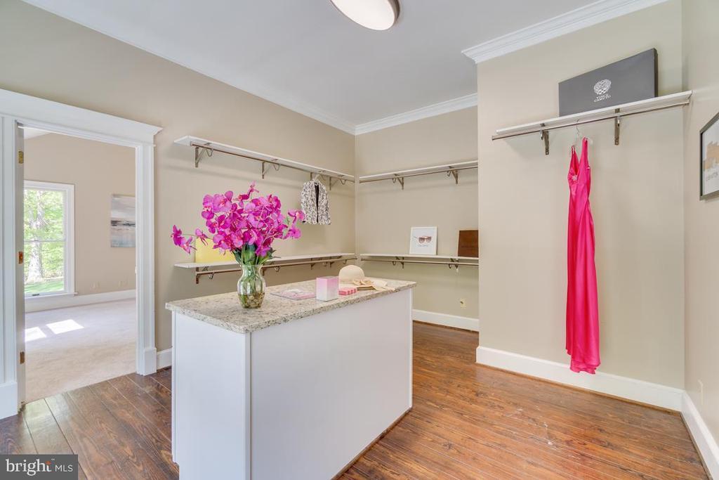 Center Island Built-in Cabinets - 646 HOLLY CORNER RD, FREDERICKSBURG
