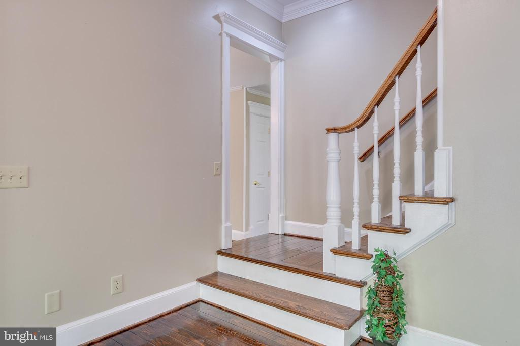 Dual Staircase to Upper Bedroom Level - 646 HOLLY CORNER RD, FREDERICKSBURG