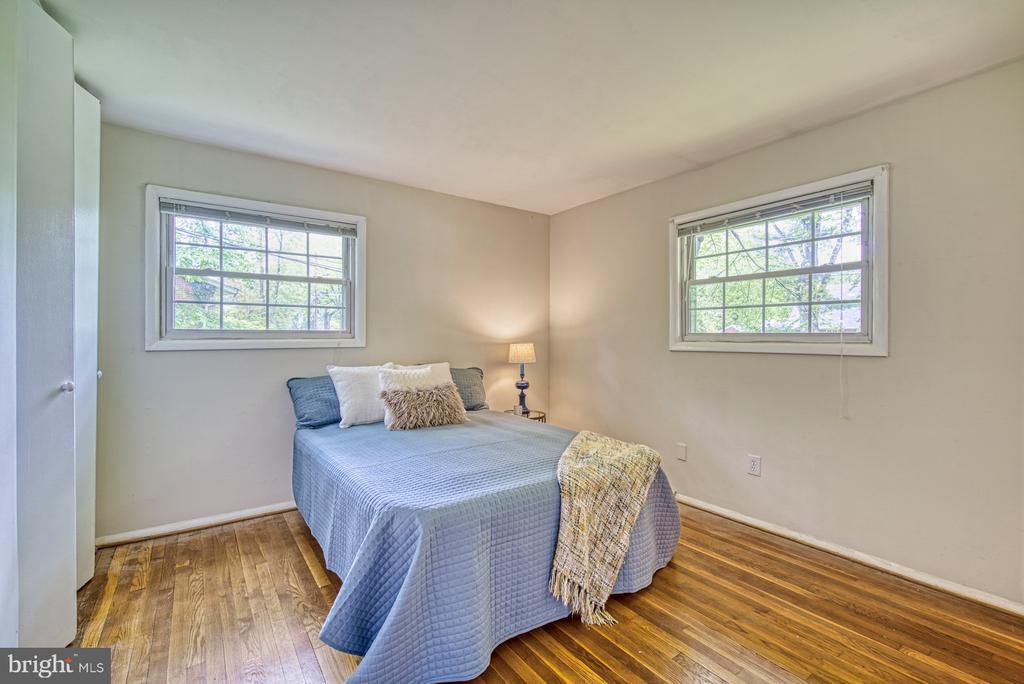 Master bedroom - 2612 HILLSMAN ST, FALLS CHURCH