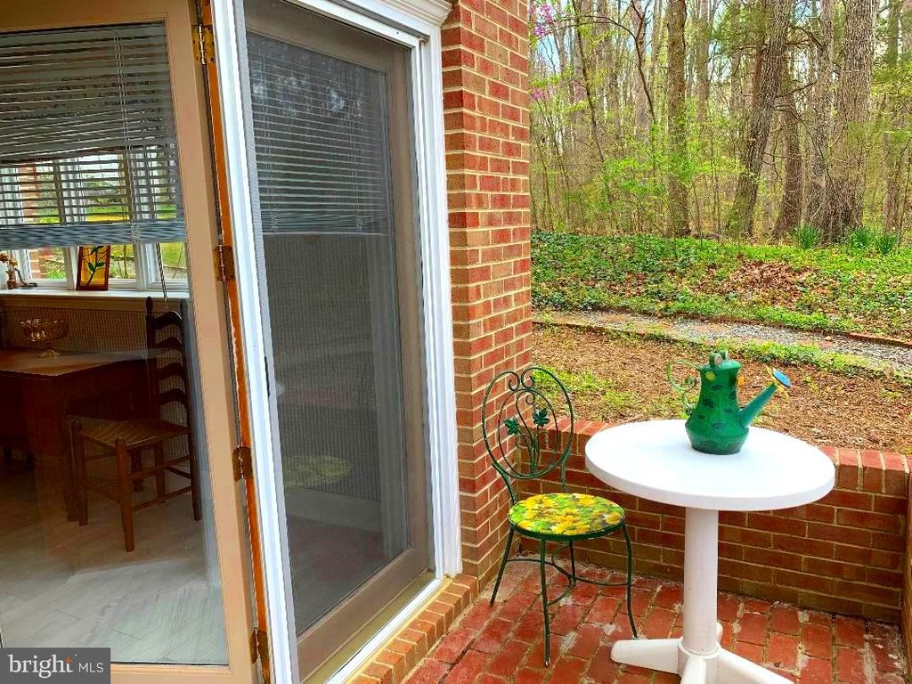 Private Entrance to In-Laws Suite! - 12210 GLADE DR, FREDERICKSBURG