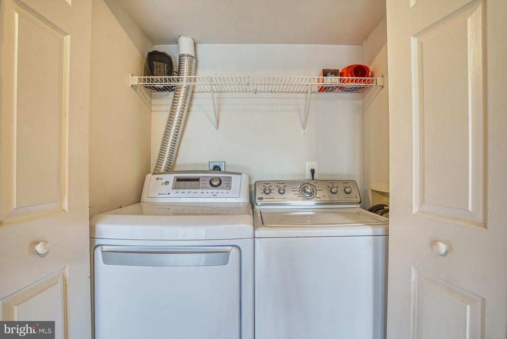 Full laundry in basement - 8919 BENCHMARK LN, BRISTOW