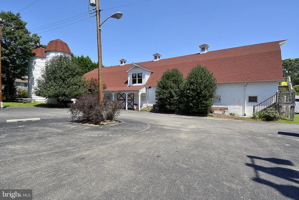 Ulmstead Estates Clubhouse - 1058 ULMSTEAD CIR, ARNOLD