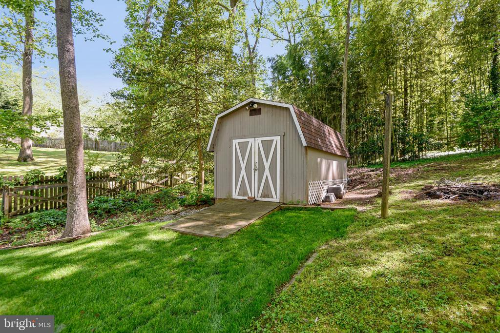 Shed in Back Yard - 1058 ULMSTEAD CIR, ARNOLD