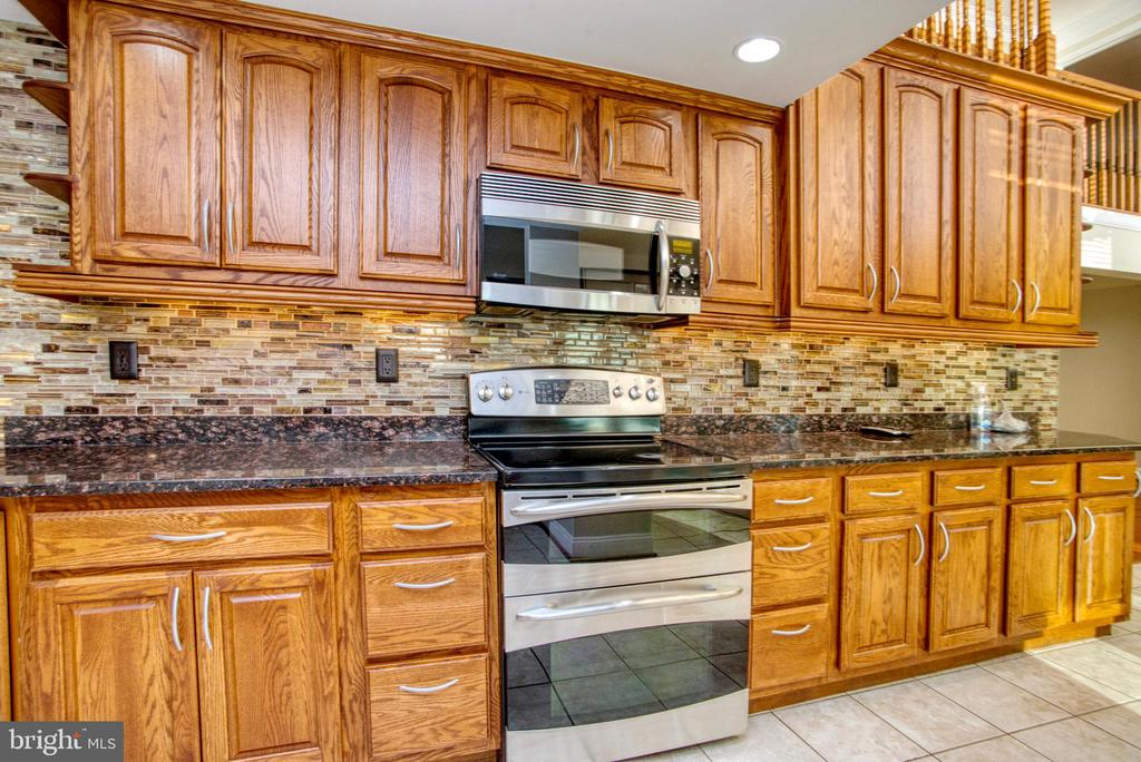 Kitchen - 12427 POTOMAC VIEW DR, NEWBURG