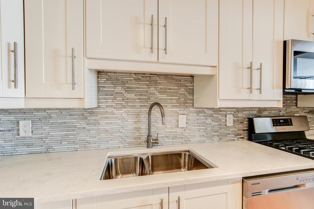 Kitchen - 4620 N PARK AVE #1411E, CHEVY CHASE