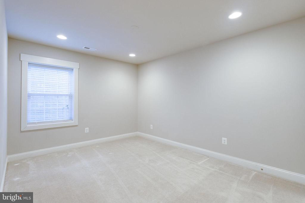 Separate Basement Bedroom - 2050 ARCH DR, FALLS CHURCH
