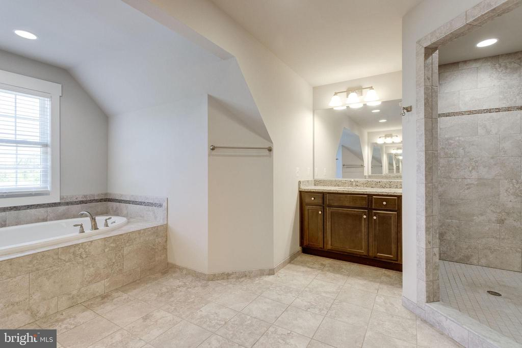 Double Vanity Back to Back - 2050 ARCH DR, FALLS CHURCH