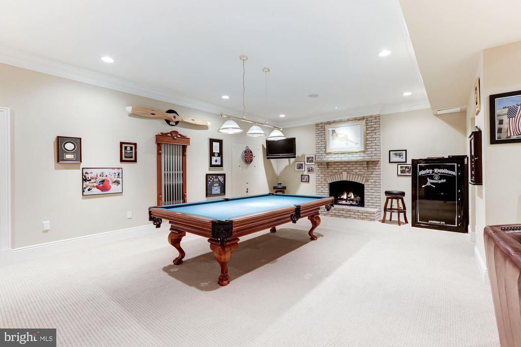 Game Room - 8913 GALLANT GREEN DR, MCLEAN