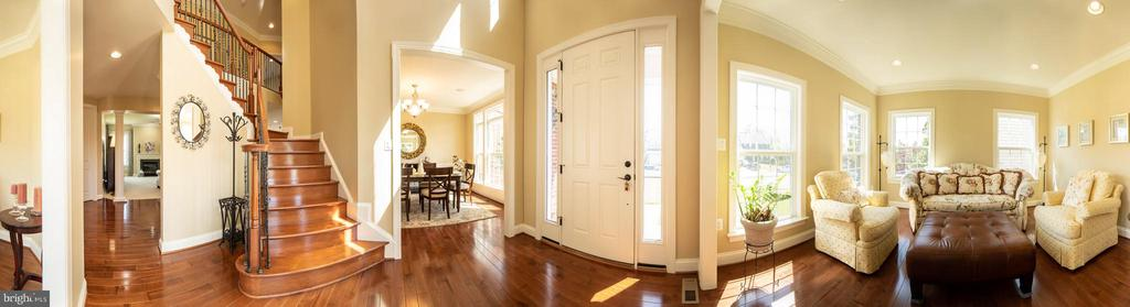 Foyer panoramic view - 42422 CHAMOIS CT, STERLING