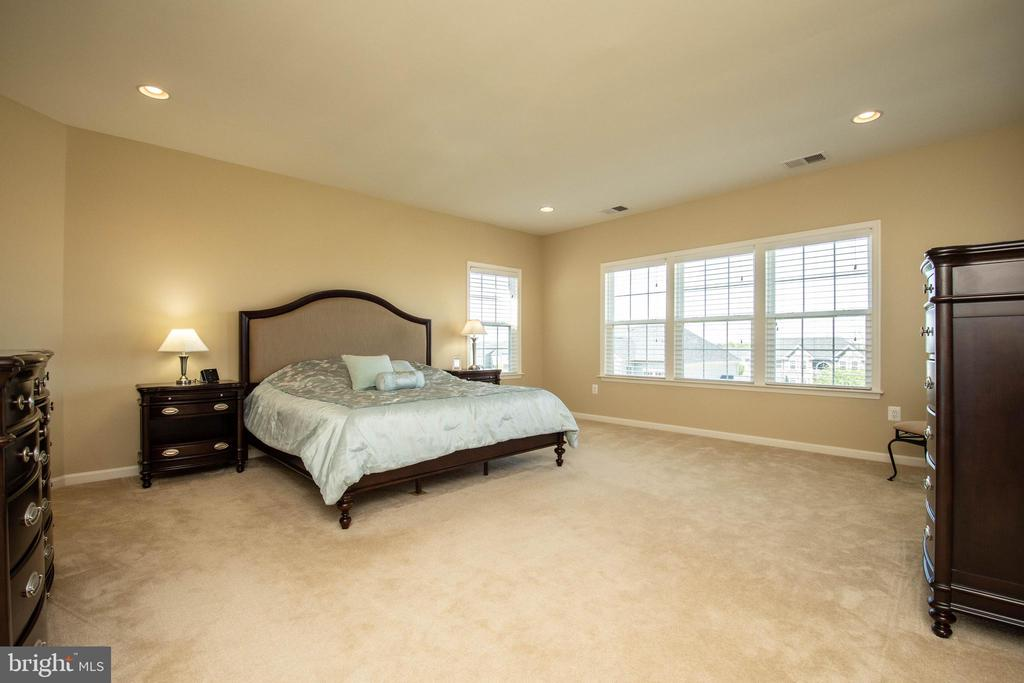 Master bedroom - 42422 CHAMOIS CT, STERLING
