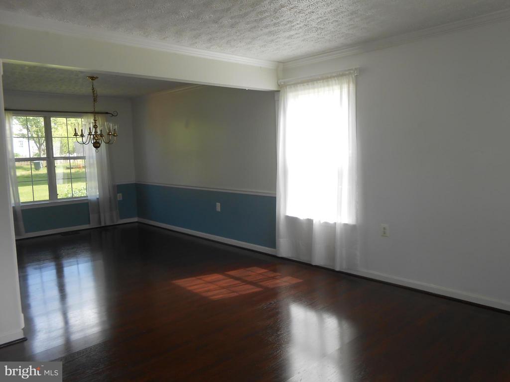 Living Room to Dining Room - 10472 LABRADOR LOOP, MANASSAS