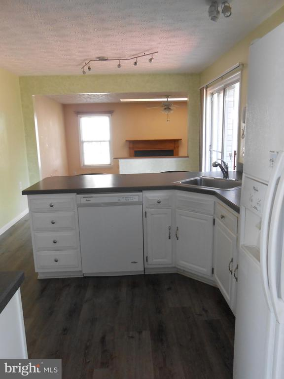 View through Kitchen from Dining Room - 10472 LABRADOR LOOP, MANASSAS
