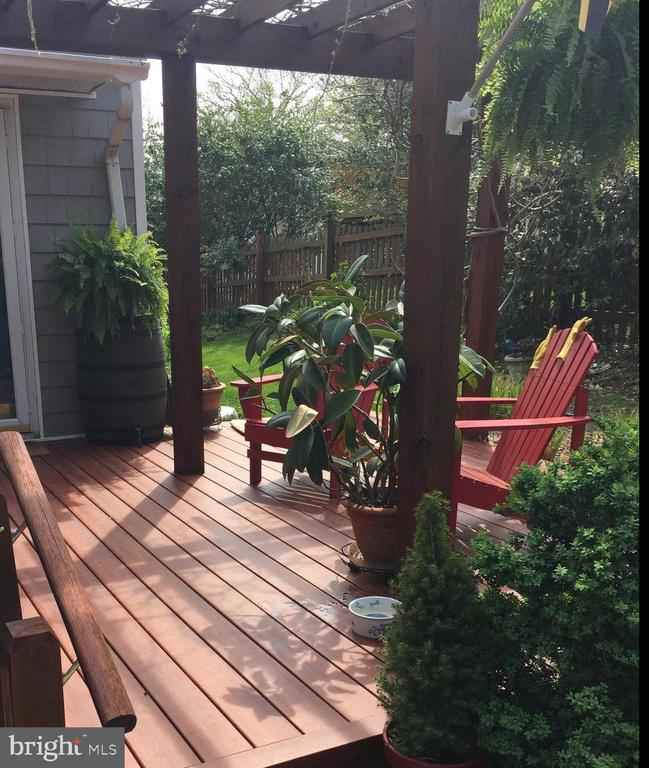 Front Porch with Pergola - 1127 SHORT ST, ANNAPOLIS