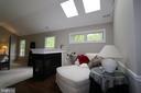 Master suite sitting area (11 x 10) w/ fireplace - 10651 OAKTON RIDGE CT, OAKTON