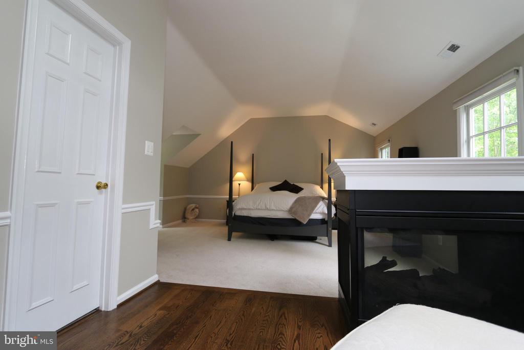 From sitting area into bedroom - 10651 OAKTON RIDGE CT, OAKTON