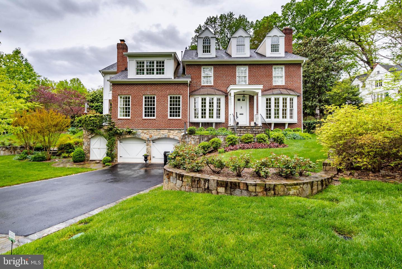Single Family Homes vì Thuê tại Arlington, Virginia 22207 Hoa Kỳ