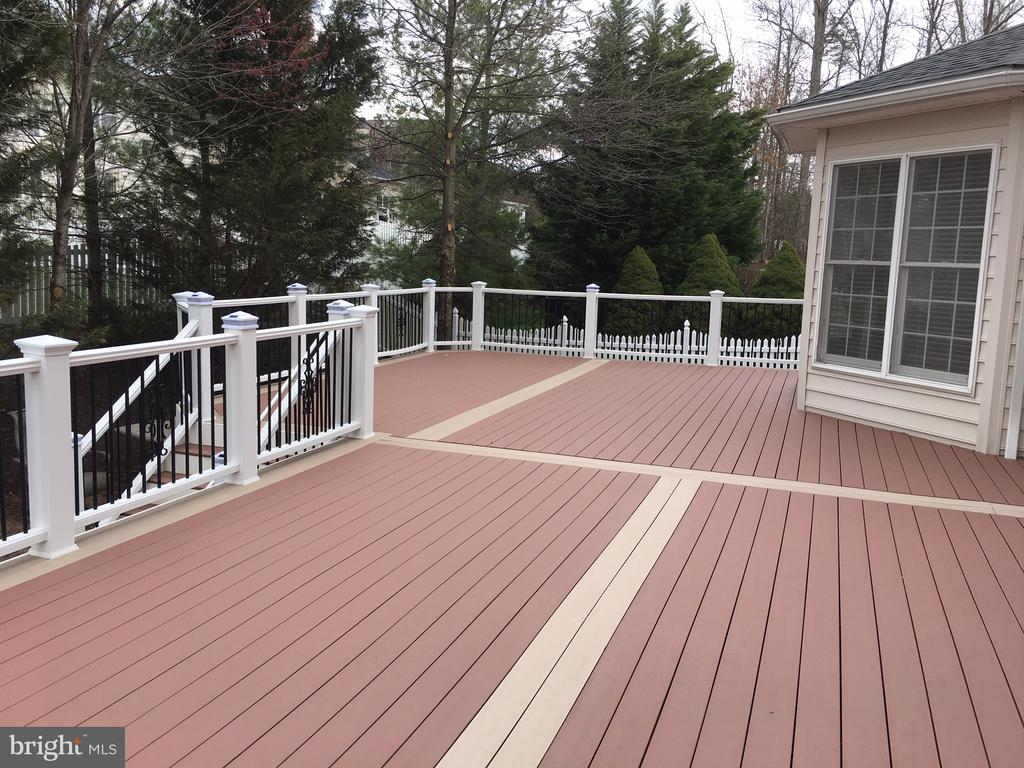 Deck - 20120 BLACK DIAMOND PL, ASHBURN