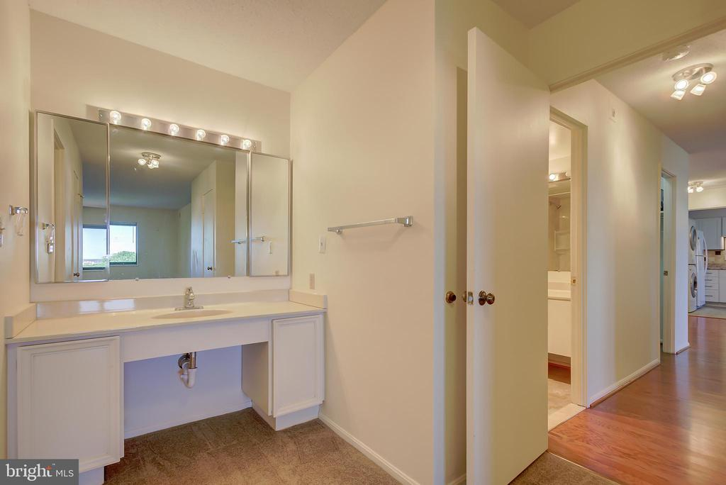 Master Bath Dressing Area - 5901 MOUNT EAGLE DR #1115, ALEXANDRIA