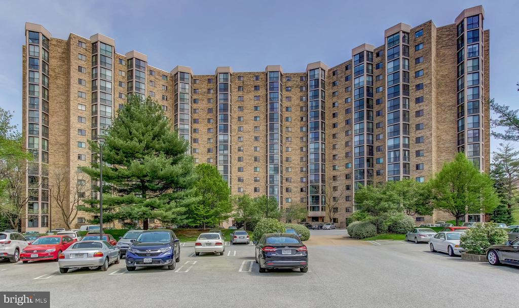 ***** Option to Buy Garage Space $30,000 ***** - 5901 MOUNT EAGLE DR #1115, ALEXANDRIA