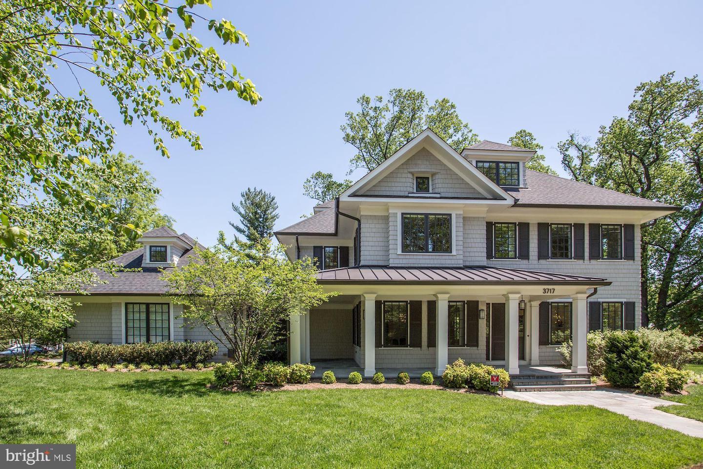 Single Family Homes vì Bán tại Arlington, Virginia 22207 Hoa Kỳ