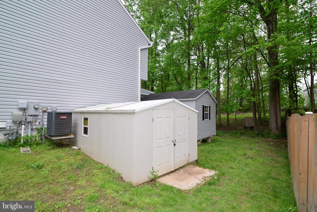 1 or 2 large storage sheds - 9306 KEVIN CT, MANASSAS PARK