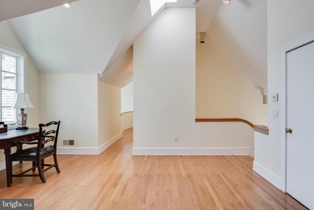 Beautiful wood flooring - 6 LOUDEN LN, ANNAPOLIS