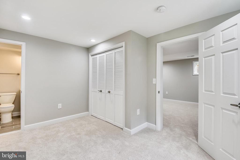 LL Bedroom - 4810 PEACOCK AVE, ALEXANDRIA