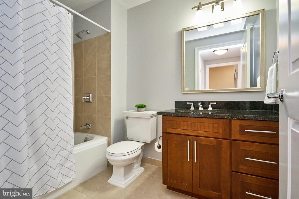 Second Bath - 2050 JAMIESON AVE #1103, ALEXANDRIA